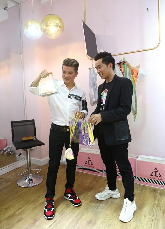 Để chuẩn bị cho phần giới thiệu bộ sưu tập mới của mình tại Tuần lễ Thời trang Quốc tế Việt Nam 2019, Ivan Trần đã mời Đàm Vĩnh Hưng tham gia buổi tuyển chọn mẫu nhí.