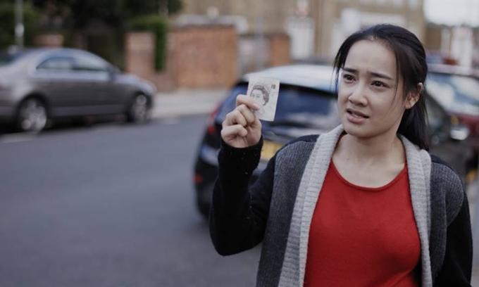 Nhã Phương trong vai bà bầu lao động bất hợp pháp ở Anh.