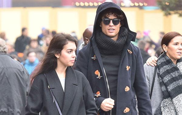 C. Ronaldo và Georgina trong lần đầu bị giới truyền thông bắt gặp đi chơi với nhau cuối năm 2016.