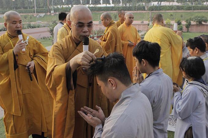 Quán quân Cười xuyên Việt 2015 thực sự muốn trải nghiệm cảm giác rũ bỏ bụi trần,toàn tâm toàn ý hướng về những giá trị cốt lõi trong đời sống.