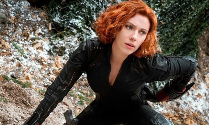 Scarlett nổi tiếng với vai Black Widow mạnh mẽ trong loại phim Avengers.