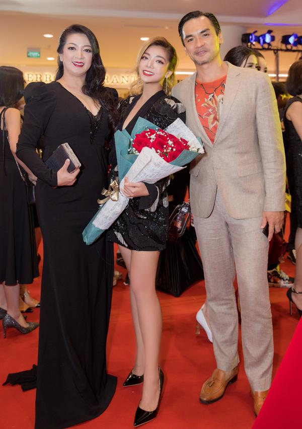 Thanh Xuân hết lòng ủng hộ và hỗ trợ con gái về nước tiếp nối sự nghiệp diễn xuất dang dở của mẹ.