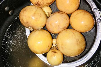 Lòng gà trứng non cháy tỏi - 2
