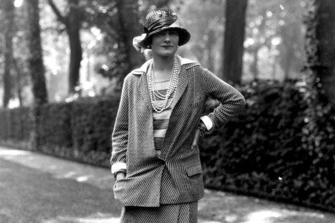Năm 1941, ôngPierređãgiành quyền kiểm soát Chanel từ tay nhà sáng lập Gabrielle Coco Chanel vớihơn 50% cổ phần thuộc về gia tộc Wertheimer.
