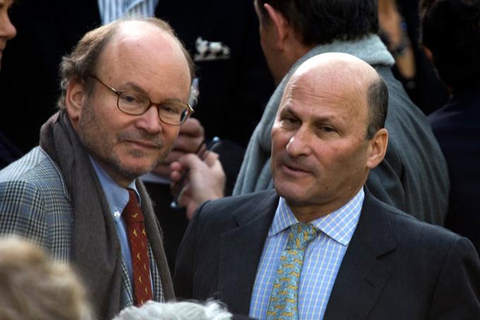 Hai anh em Alain (trái)và Gerard Wertheimer trở thành người thừa kế và đồng sở hữu thương hiệu Chanel vào năm 1996 sau khi cha họ, ông Jacques Wertheimer, con trai của Pierre, qua đời. Người anh Alain nắm vai trò như là chủ tịch của Chanel,còn Gerard đứng đầu bộ phận kiểm soát của hãng. Họ là thế hệ thứ ba điều hành công ty gần 110 tuổi này.