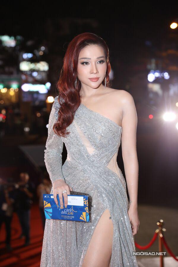 Khả Như tới dự Cánh diều 2018 trong vai trò khách mời trao giải.