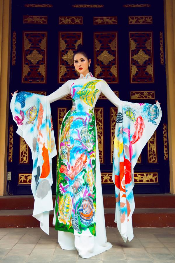 Á hậu Hoàng Hạnh diện áo dài lấy cảm hứng từ đại dương - 3