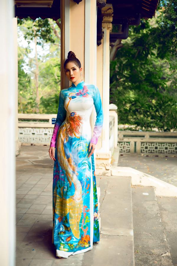 Á hậu Hoàng Hạnh diện áo dài lấy cảm hứng từ đại dương - 6