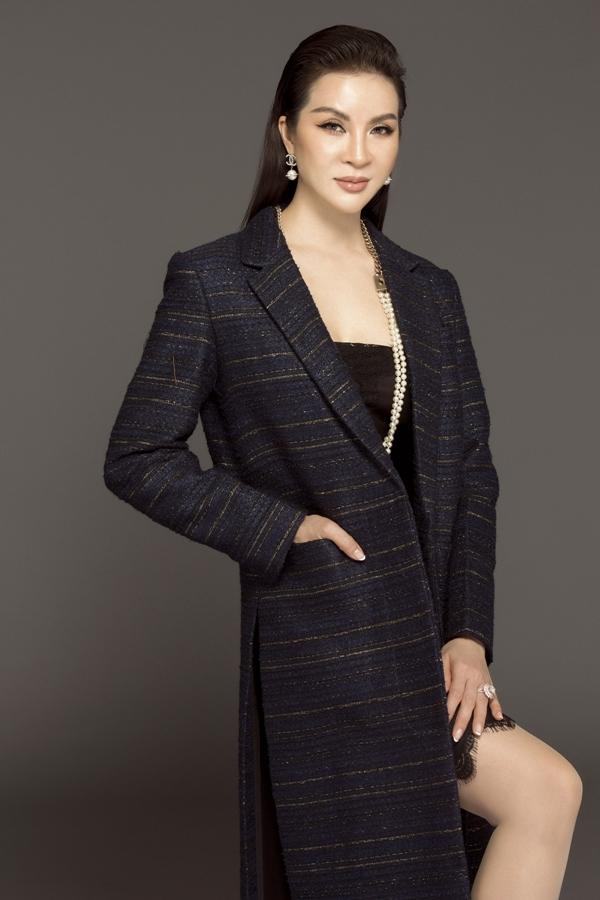 MC Thanh Mai biến hóa đa phong cách phù hợp tuổi 46 - 2