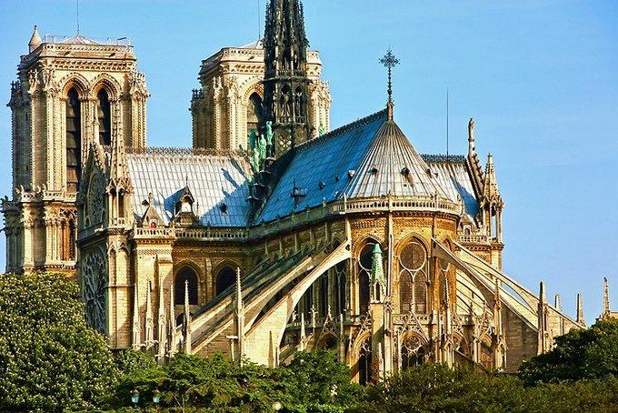 Kiến trúc nguy nga của nhà thờ Đức Bà Paris trước hỏa hoạn