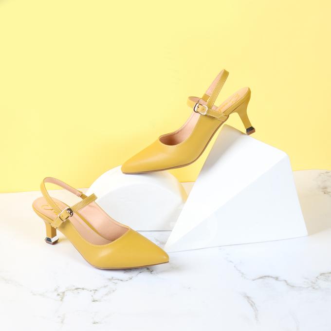 Giày cao gót thời trang nữ Erosska EH018- Màu vàng giá 189.000 đồng trong khung giờ 20h-22h.