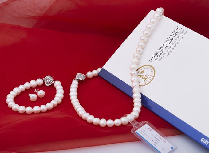 Opal - Bộ ngọc trai trắng tự nhiên_T11 750.000 đồng nếu mua lúc 20h-22h.