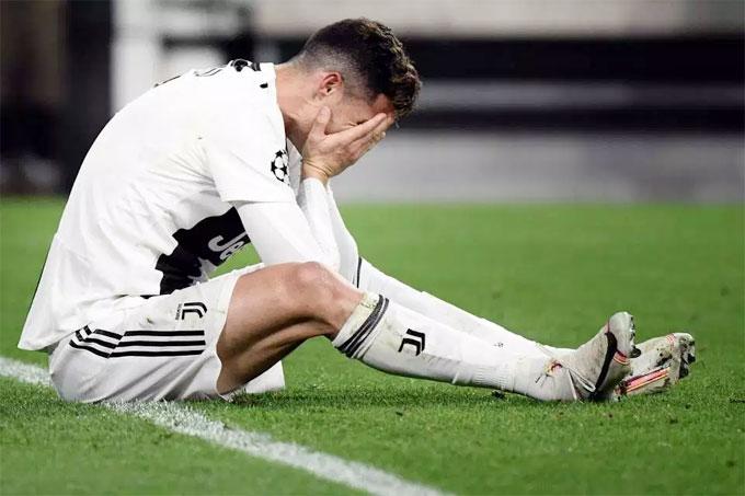 Juventus thua 1-2 ở lượt về, chung cuộc thất bại 2-3 và bị loại ở tứ kết Champions League.