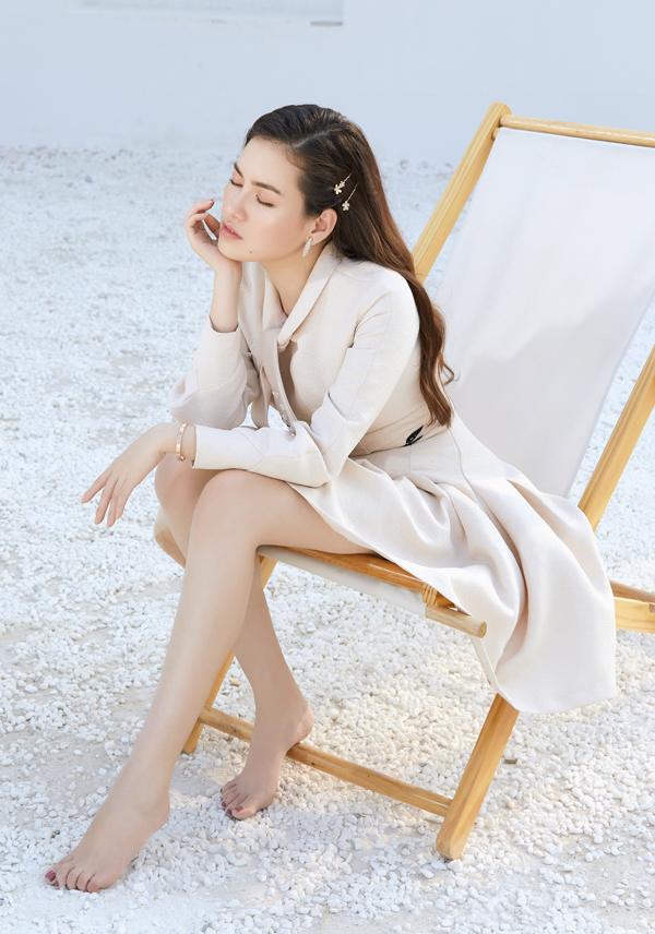 Diễm Trần tiết lộ cô sắp lấn sân sang lĩnh vực điện ảnh. Tháng 5 tới người đẹp sẽ tham gia một phim ngắn.