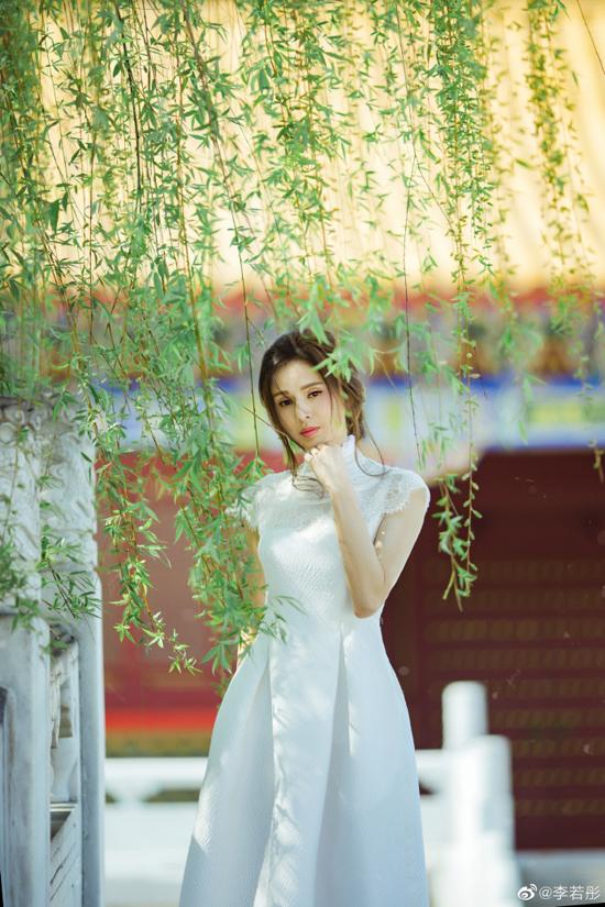 Nhiều khán giả nhận xét họ nhận không ra Lý Nhược Đồng vì trông cô chỉ như cô gái đôi mươi.