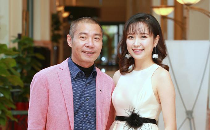 Kim Oanh và Công Lý tại buổi họp báo ra mắt phim Những cô gái trong thành phố.