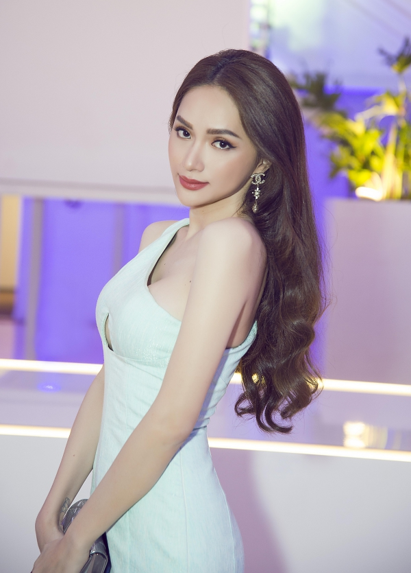 Sau khi hoàn thành nghĩa vụ Hoa hậu Chuyển giới Quốc tế, Hương Giang tiếp tục tập trung phát triển sự nghiệp âm nhạc và các hoạt động vì công đồng LGBT (người đồng tính, song tính, chuyển giới).