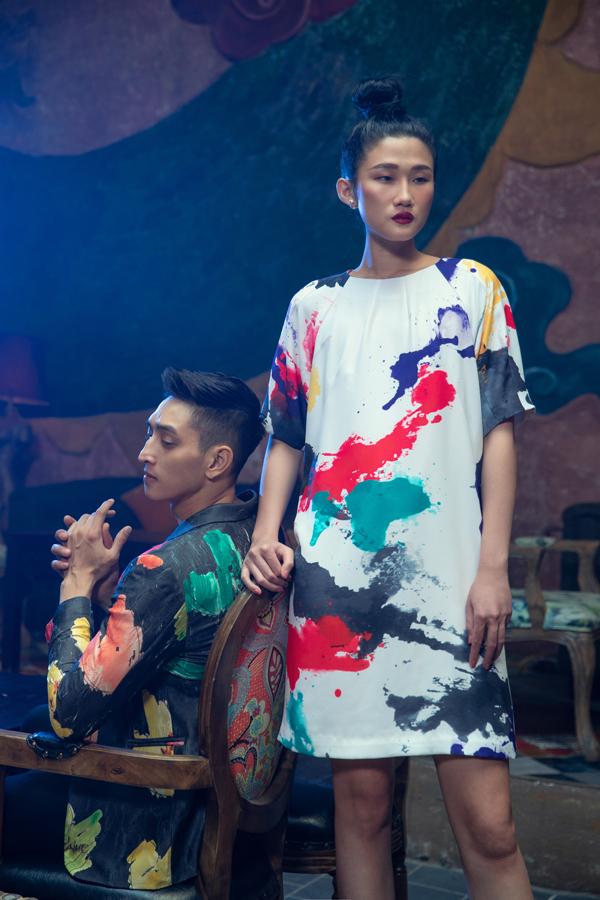 3 người mẫu quen thuộc của sàn diễn thời trang trong nước cùng thể hiện các mẫu trang phục của Vũ Ngọc & Son.