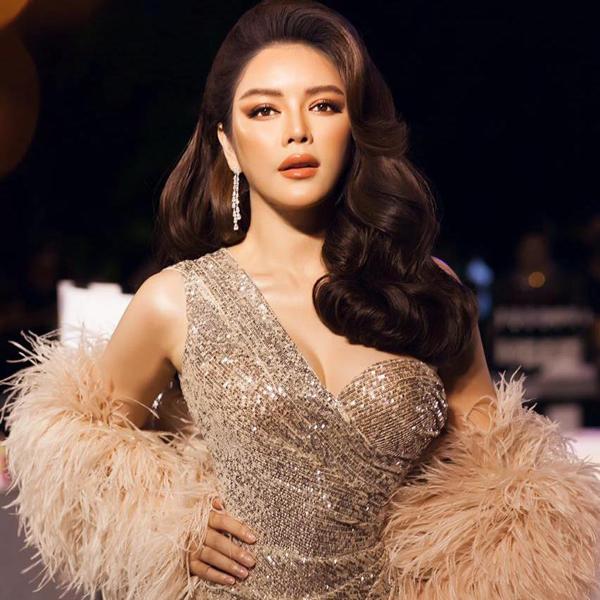 Xu hướng váy sequins được sao Việt thổi bùng mạnh m