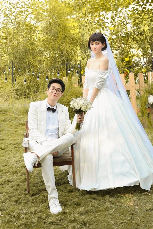 Cả hai khắc họa những cảm xúc bồi hồi, chân thựcmà bất kỳ cặp đôi nào cũng trải qua trước ngày cưới.