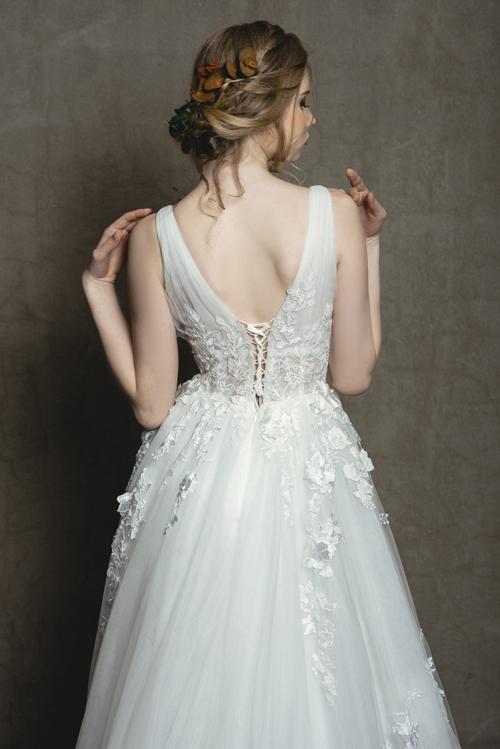 Váy hot hit cho nàng dâu mùa hạ - 6