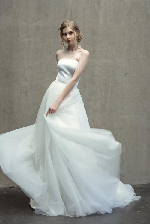 Váy hot hit cho nàng dâu mùa hạ - 9