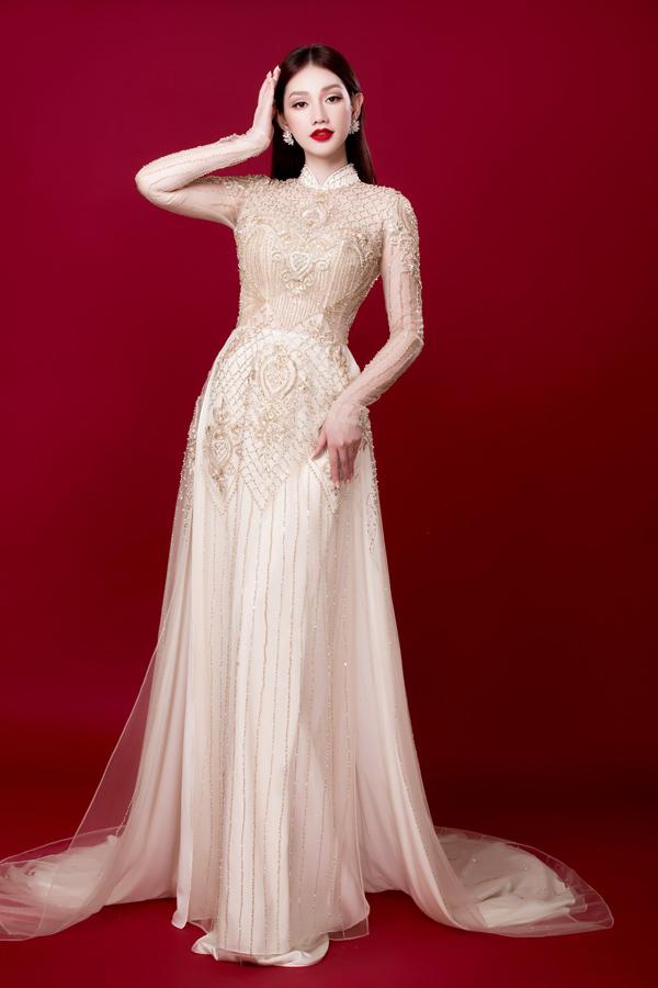 Người đẹp Việt tỏa sáng trong áo dài lấp lánh - 1