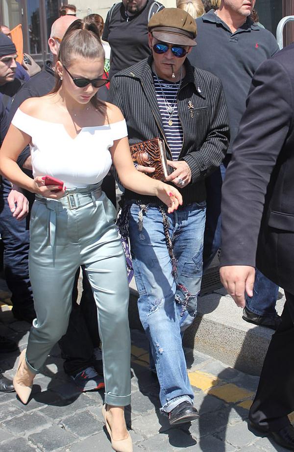 Johnny và Polina Glen tại Moscow tháng 5/2018.