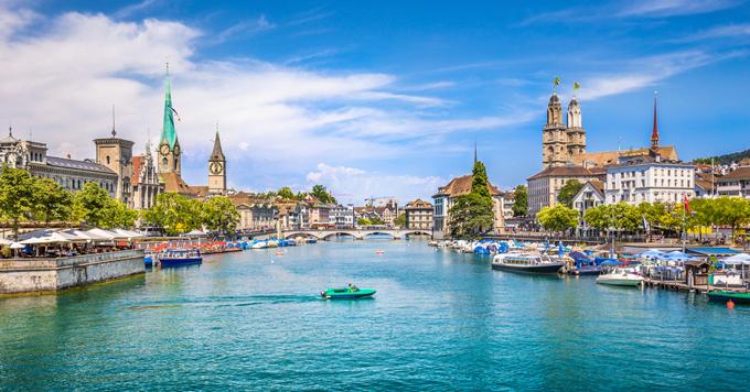 Hè là mùa du lịch cao điểm ở châu Âu.