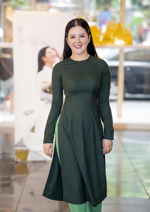 NSND Thanh Hoa khen ngợi ca sĩ Đinh Hiền Anh hát ngày càng tiến bộ - 1