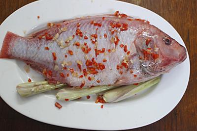 Cá diêu hồng nướng giấy bạc cho ngày nghỉ lễ - 1