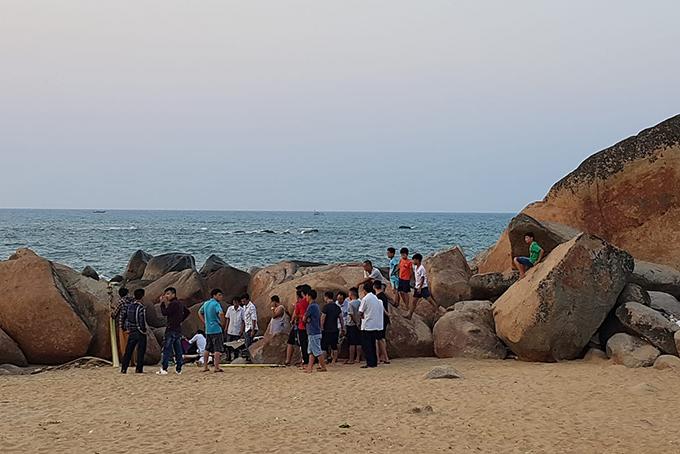 Bãi biển Kỳ Xuân, nơi xảy ra vụ việc. Ảnh: Hùng Lê
