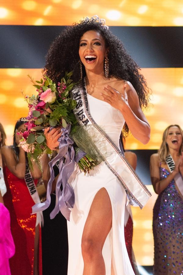 Chung kết Miss USA 2019 vừa kết thúc sáng 3/5 (giờ Hà Nội). Kết quả, Hoa hậu bang Bắc Carolina -