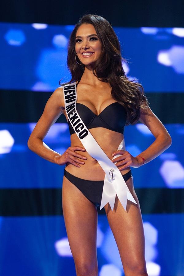 Gây chú ý bởi gương mặt xinh đẹp, hoa hậubang New Mexico - Alejandra Gonzalez gây tiếc nuối khi dừng chân ở Á hậu 1.
