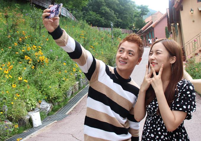 Vợ Đăng Khôi động viên chồng diễn tình tứ với người đẹp Hàn Quốc - 4