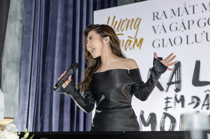 Dịp này, cô phát hành MV Ra là em đâu quá mong manh được quay tại Đài Loan như món quà dành tặng khán giả trước khi ngừng hát trong thời gian dài. MV sẽ ra mắt trên kênh Youtube của Hương Tràm vào ngày 7/5 và kênh âm nhạc quốc tếSpotifyvào ngày 9/5.