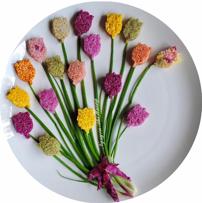 Phần lớn đĩa thức ăn của chị Hương được lấy cảm hứng từ các mùa trong năm. Mùa xuân tôi trang trí các loại hoa nhỏ, mùa đông thì theo phong cách phương Tây, còn mùa hè có thể pha trộn nhiều chi tiết, chị Nguyễn Hường cho biết.