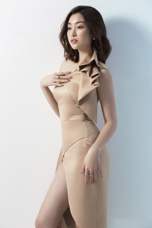 Đỗ Mỹ Linh gợi ý mặc đẹp cùng mốt váy cut-out - 11