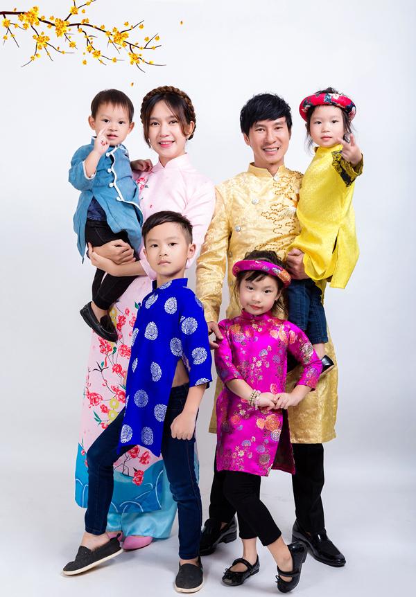 Gia đình đông đúc của Lý Hải - Minh Hà.