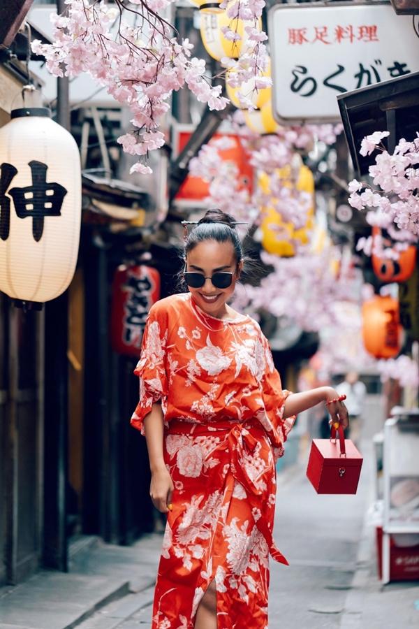 Bộ ảnh thời trang rất đặc biệt này Đoan Trang được một người em tên là Lê Nhâm Quý hiện là du học sinh ngành điện ảnh ở Nhật chụp làm kỉ niệm
