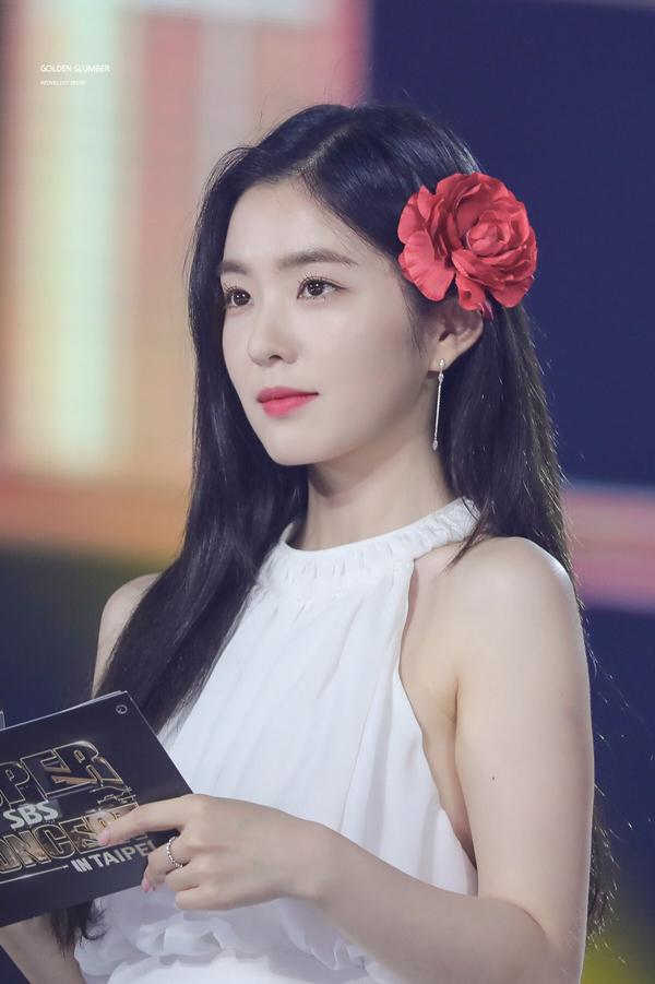 Irene (Red Velvet).