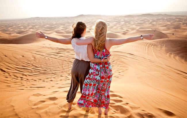 Sa mạc ở Dubai giờ chủ yếu dành cho khách du lịch.