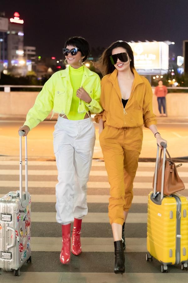 HHen Niê, Lệ Hằng sành điệu ra sân bay đi Australia - 4