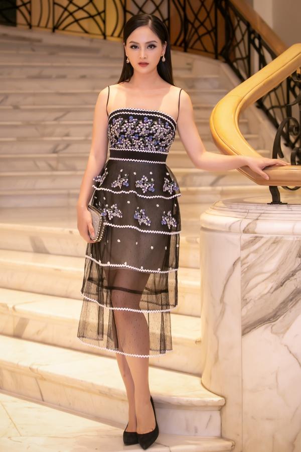 Lấy lại vóc dáng sau khi sinh giúp Lan Phương thêm phần thu hút. Bên cạnh đó, trang phục tham gia sự kiện cũng được nữ diễn viên thay đổi để tạo dấu ấn mới.