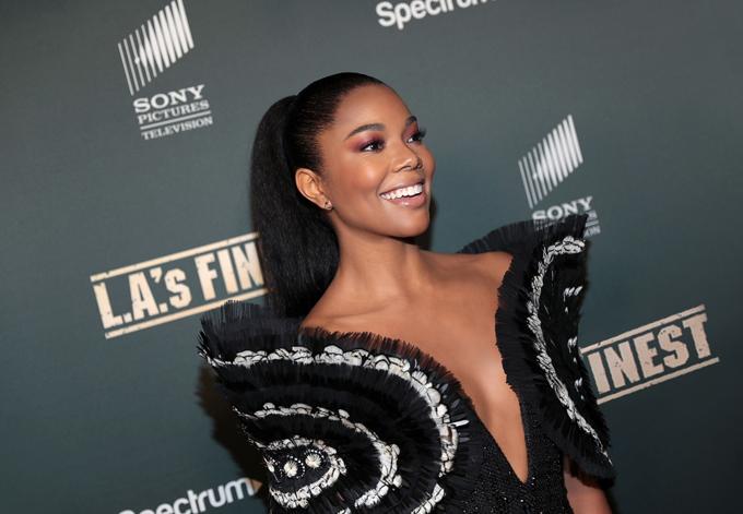 Xuất hiện tại sự kiện tối 11/5 tại thảm đỏ buổi ra mắt phim L.A.'s Finest, nữ minh tinh Gabrielle Union toả sáng trong trang phục được