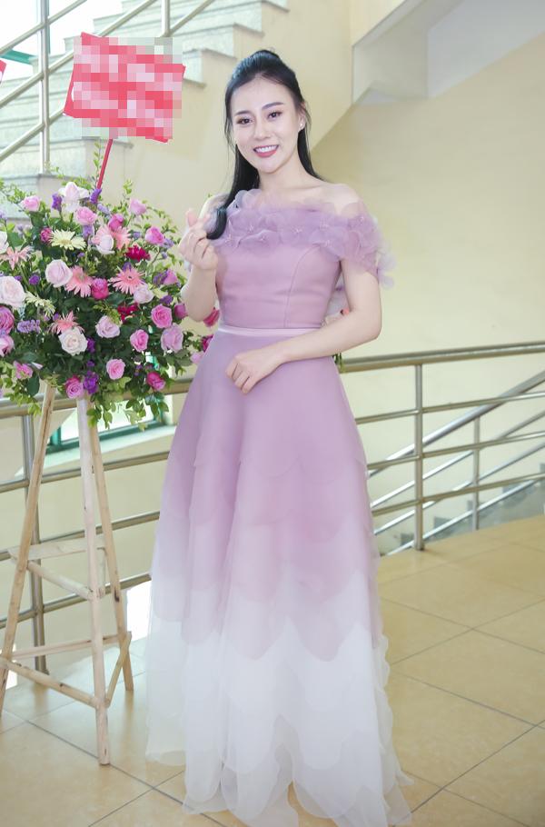 Phương Oanh mặc ton sur ton với chị Nguyệt thảo mai - 8