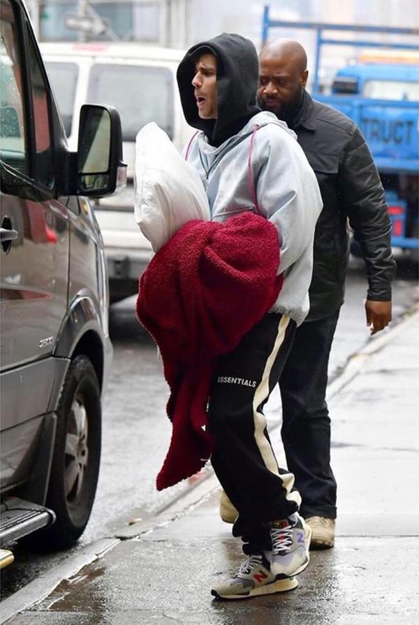 Justin không giấu sự ngái ngủ.