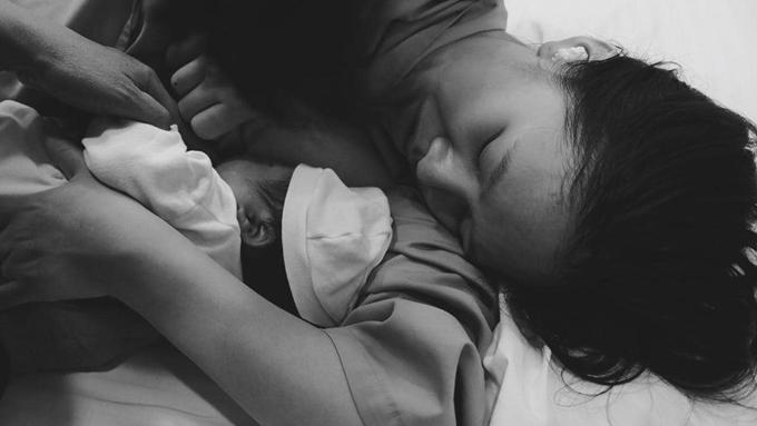 Hà Anh nhớ lại trải nghiệm lần đầu sinh con.