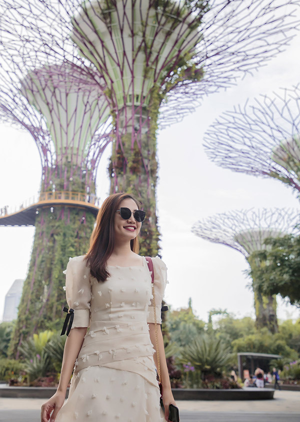 Ninh Hoàng Ngân rất ấn tượng với công viên Siêu Cây nằm trong khu Gardens By The Bay.