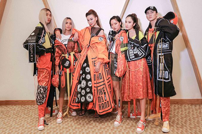 Ngày 15/5 vừa qua team Thanh Hằng cùng đổ bộ, fashion show Take my hand được tổ chức tại TP HCM.